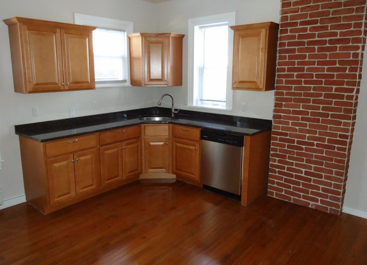 Interior Design Q A Matching Hardwood, Matching Laminate Flooring To Cabinets